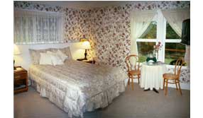 Suite Suzanna at Halvorsen House Bed and Breakfast